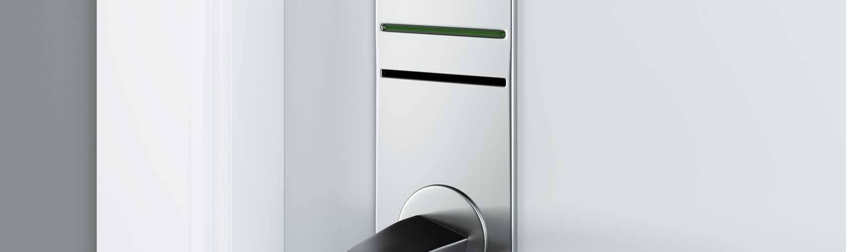 Türe mit elektronischem Schloss für Magnetkarte