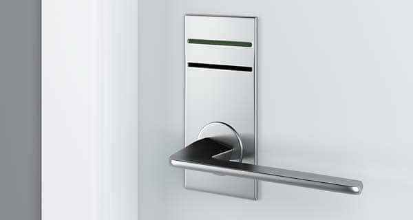 Hoteltüre mit elektronischem Schloss für Magnetkarte oder RFID Schlüsselkarte